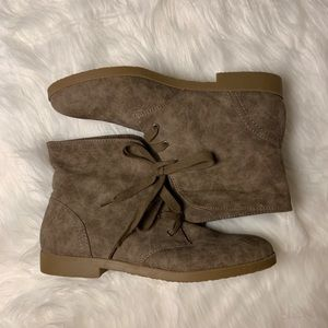 Indigo Road Washed Brown Booties Size 9 M